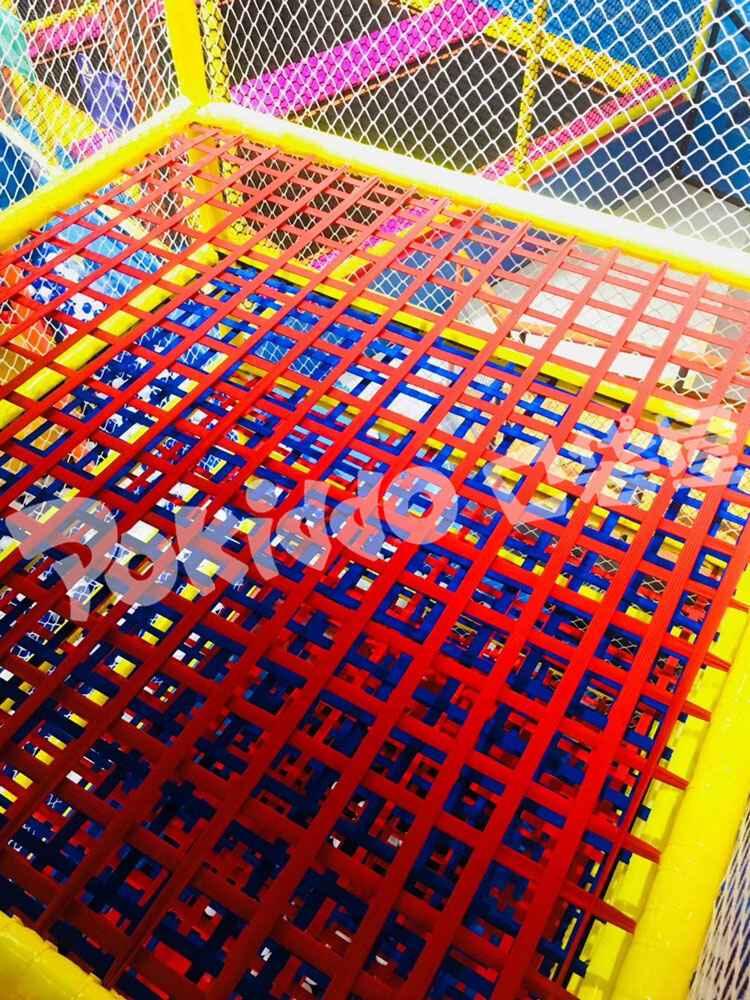 微尘蹦床公园网红蜘蛛塔