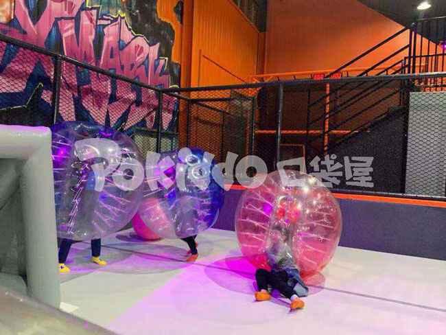 武汉全明星蹦床公园碰撞球区