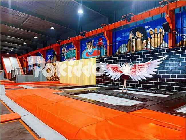 武汉全明星蹦床公园专业蹦床表演区