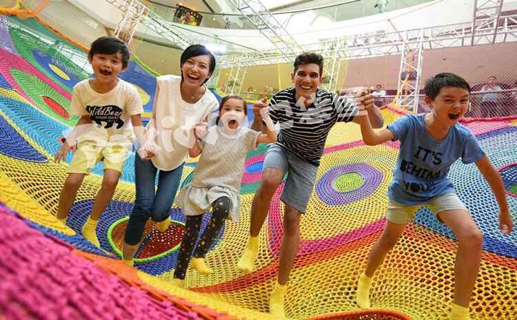 儿童彩虹攀爬绳网