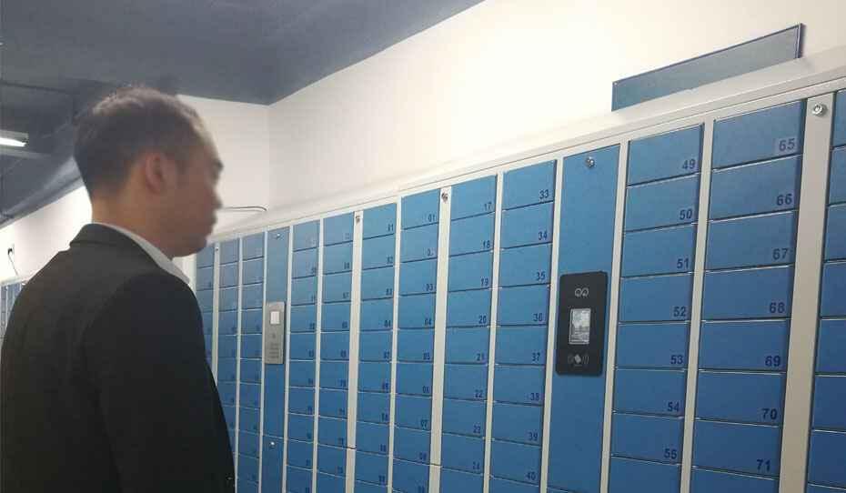 蹦床公园人脸识别型储物柜
