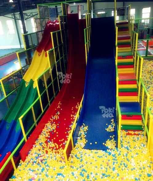 90度垂直大滑梯实物图