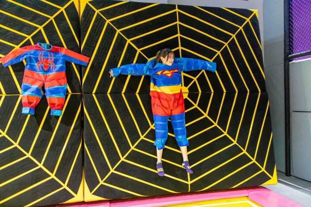 网红蜘蛛墙.jpg