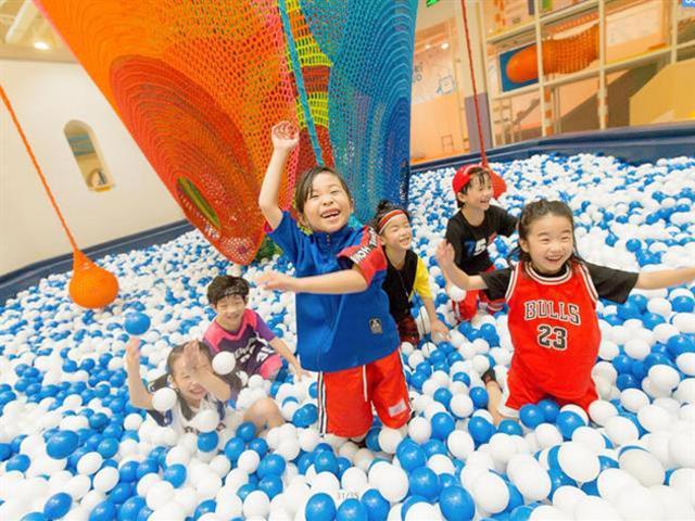 海洋球池如何与室内儿童乐园游乐设备进行功能组合搭配使用?海洋球厂家口袋屋游乐