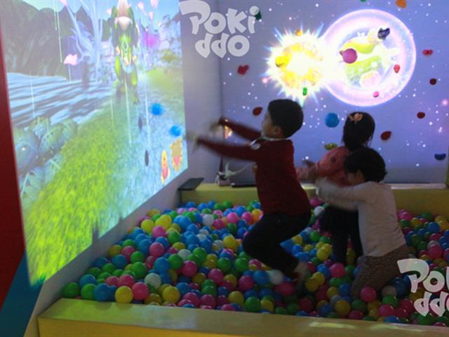 蹦床互动蹦床投影设备厂家,塑造蹦床乐园互动游戏娱乐新热点