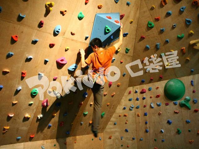 室内儿童攀岩|艺术攀岩墙该怎么玩,需要哪些攀爬技巧?