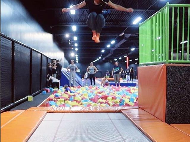 蹦床教学:专业蹦床花样玩法有哪些?