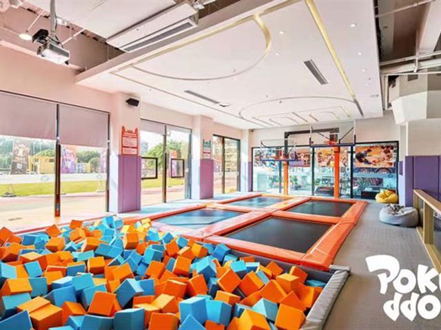 蹦床公园里面有哪些常见的蹦床设备功能区玩法?