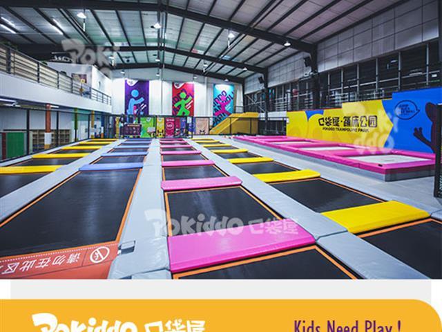 旧工厂改造网红蹦床馆,跳出无限活力蹦床运动减肥瘦身不是难题