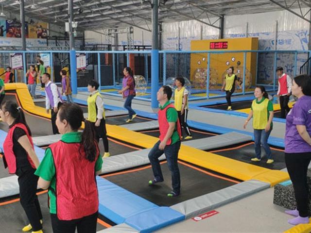如何开展蹦床公园团建活动,有哪些好玩的蹦床馆活动游戏(一)