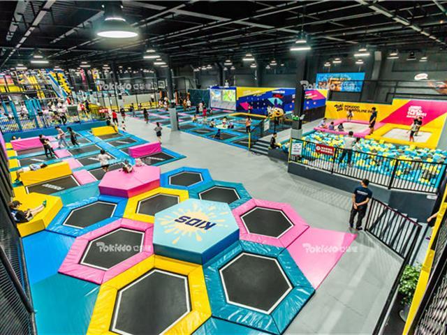 网红抖音蹦床公园如何差异化运营提升蹦床场馆人气和黏度呢?