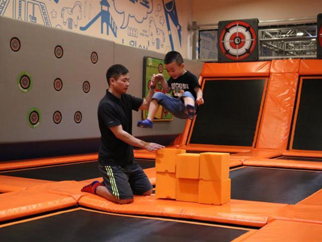 蹦床运动,儿童体适能感统训练课程的重要手段