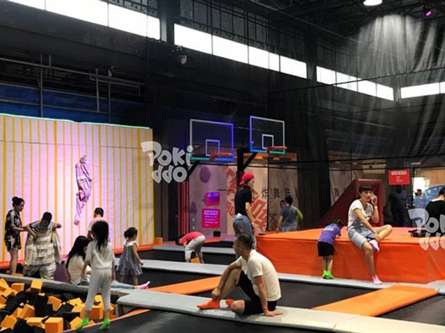 传统蹦床公园急需升级改造,紧跟网红娱乐经济时代