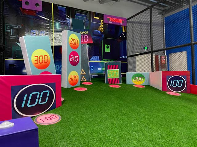 口袋屋运动娱乐设备都市足球,让游客在游玩中学会踢球