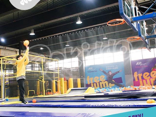 互动蹦床运动对儿童有什么好处?这几点你必须知道!!