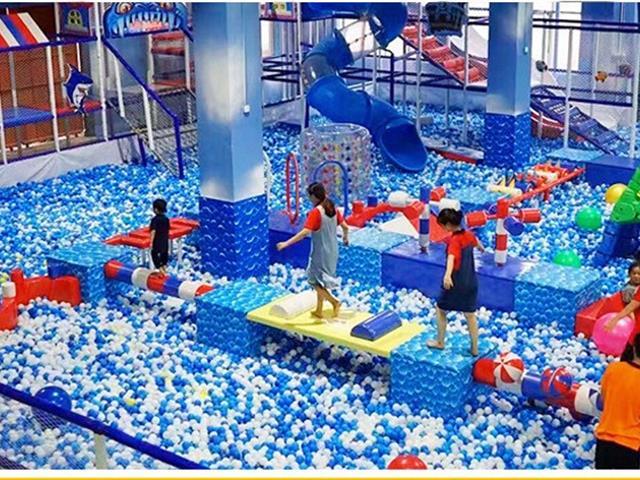 玩蹦床有哪些好处,口袋屋蹦床公园有什么游乐设备