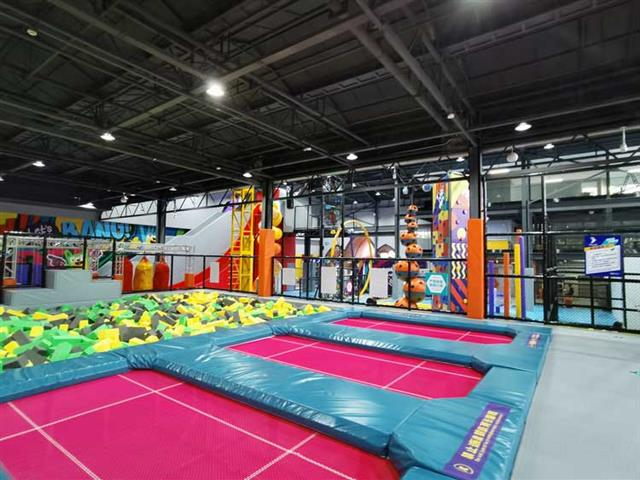 室内蹦床公园游乐设备项目给你带来不一样的体验!