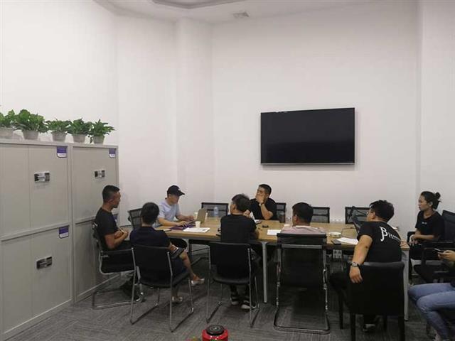 蹦床公园如何培训员工?蹦床馆工作人员如何有效且高质量地去培养?